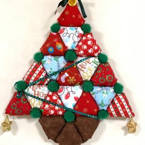 三角パフのクリスマスツリー