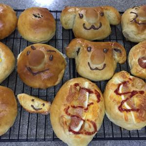 パン各種いろいろ。