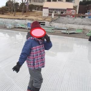 ★富士山2合目「ぐりんぱ」でスケート&雪遊びを体験!(9歳、5歳、3歳)
