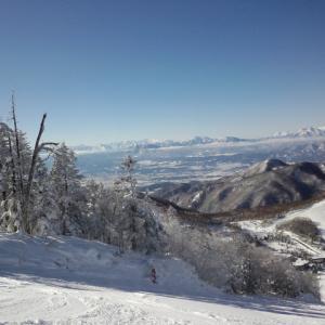 志賀高原で滑ってきました。