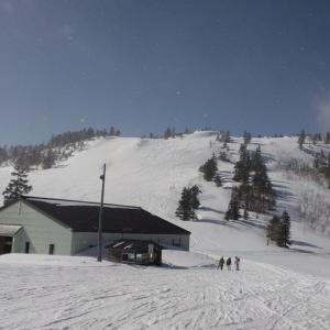 青空見える薄曇り 小雪