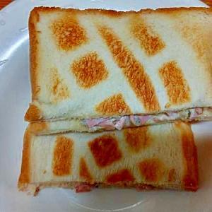 トーストサンド/刻みきゅうりピクルスハム・マヨ和え