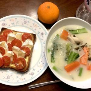 カマンベールトースト&白菜のシチュー