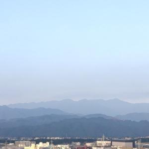おはよう丹沢!ほんわり夏空。