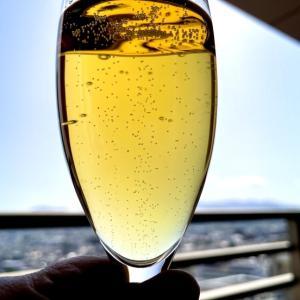 Moet & Chandon Grand Vintage 2000 ベランダでシャンパーニュを飲む!
