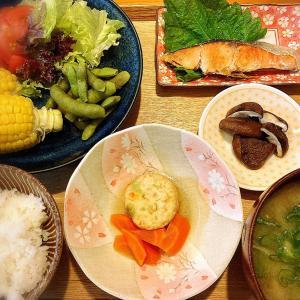 新鮮な産直野菜♪  ゴールドラッシュとうもろこし、黒枝豆、塩鮭 定食。