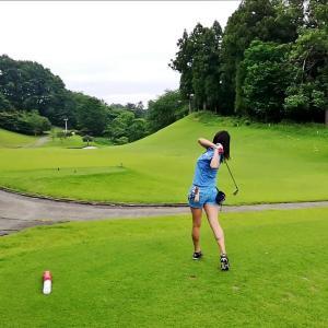 今日はゴルフからのキャンプです。