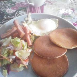 パンケーキ朝食……。