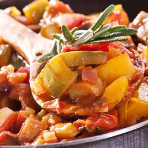 夏の南仏料理の定番 ラタトゥイユ Ratatouille <フランス料理レシピ>
