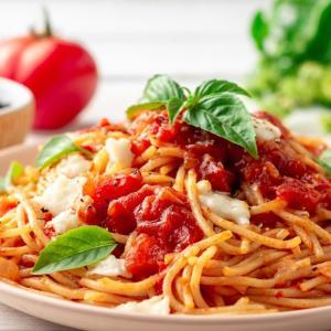 ヘビロテお昼ご飯レシピ!イタリアン王道 トマトバジルパスタ