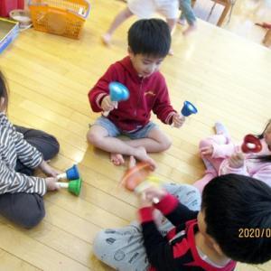 【りんご組】♪♪  楽器遊び ♪♪