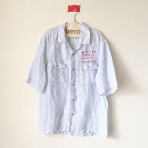リネンストライプのオープンカラーシャツ