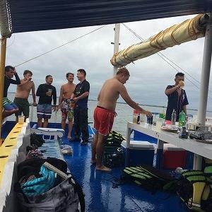 海上パーティー。