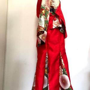 和装セットアップスーツ 鮮やか赤和柄