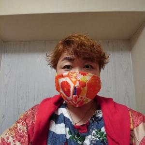 神の手 和柄布マスク お客様着画 オレンジ×イエロー鮮やか