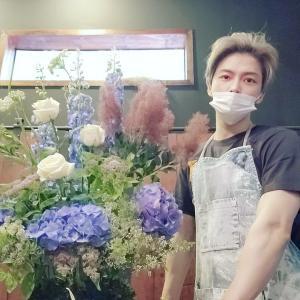 ジェジュン、美しい生け花と共に近況を公開…ラフなスタイルでも輝くビジュアル