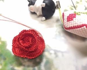 YouTubeのお花を編む〜バラ(?)の花