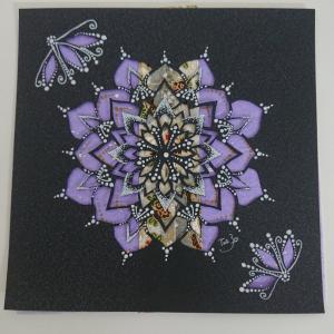 今回は和紙のみを使用した曼荼羅アート完成♪