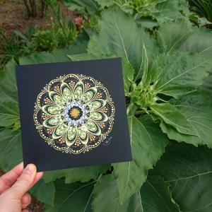 実家の庭に咲いていた『ひまわり』をイメージして描いた曼荼羅アート♪