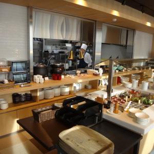 天成園小田原駅別館 『スカイダイニング』で朝食