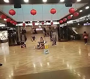 台北地下街の風景