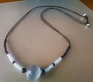 猫眼石のネックレス