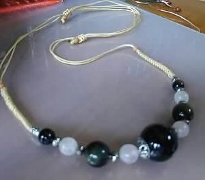 青虎眼石のネックレス