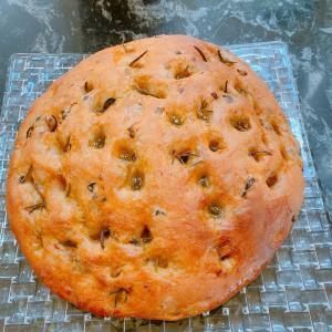 フォカッチャ2種とハーブパン