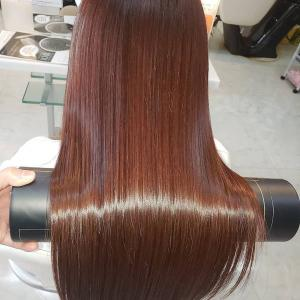 """濃ゆいのに鮮やか!""""髪質改善""""しながら理想のツヤ髪カラー♡"""
