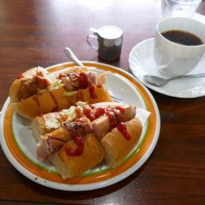 昭和レトロ喫茶店の大きなホットドッグ朝ご飯☆QUEEN☆大阪市住吉区♪
