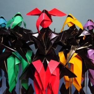 女性タイプの折り紙ロボット3