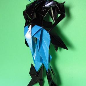 女性タイプの折り紙ロボット2