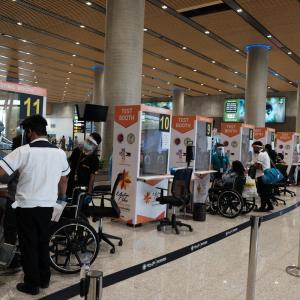 マクタン空港のPCR検査と入国