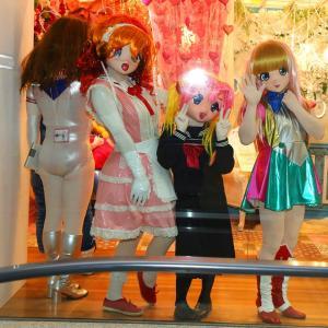 「ママ~ 何か居るよ~」現代美術館 蜷川実花さん写真展の時の画像5/Mika Ninagawa's photo exhibition (kigurumi)5