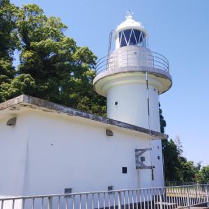 七尾の観音島と観音崎灯台