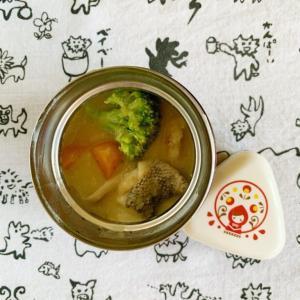 スープジャーで鱈のシチュー弁当と会社のデスクでUSB加湿器始めました