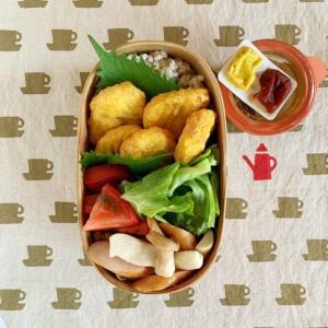 カップ麺キャンプとチキンナゲット弁当