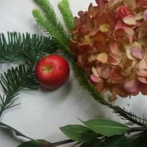 姫りんごのクリスマスミニアレンジ