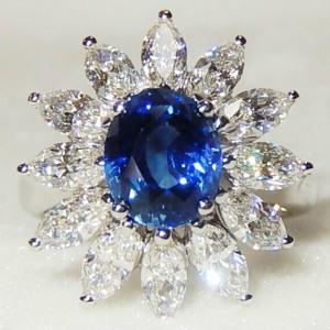 ★★ 見事な ダイヤ 取り巻き の 麗しい ブルー サファイア リング ♪♪ ★★