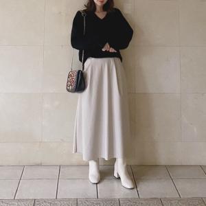 GU 今年らしさNo.1のレザースカート