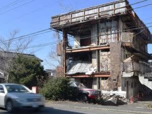 【ようやく】廃墟マンション解体決定。