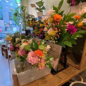 お盆のお花とお店のこと