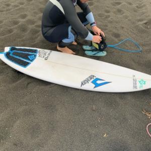 今日は暖かくて波もあって〜仕事を休みにしていい波を堪能する方も〜!!(えはっち)