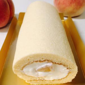 桃のふわふわスフレロールケーキ