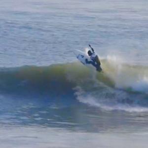 極上の波でスタンプがサーフィン絶好調でした〜春に向けてBBQテストで焼き焼き美味しいんだ〜♪