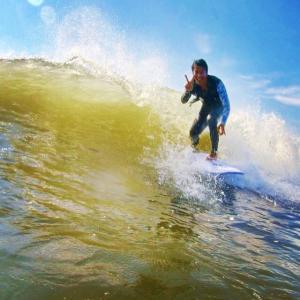 サーフィン再開して海の中はニコニコ笑顔なんです〜テイクオフは年齢じゃなくてサーフボードだから〜♪