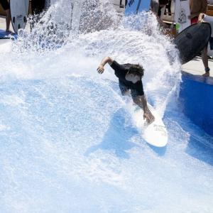 ウェーブプールで楽しくサーフィン初体験〜友吾プロのLaniイベントでみんなニコニコ笑顔に〜♪