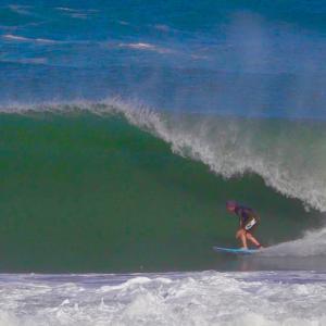 今週末は台風接近なのでサーフィン気をつけて〜海上がり腹ぺこランチは美味しくて写真映える看板で〜♪