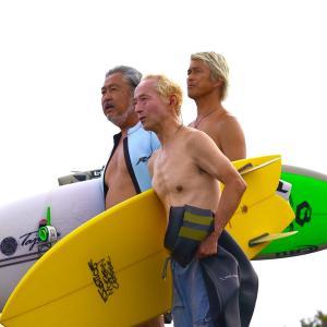 大先輩の田嶋さんと砂川プロと楽しいセッションで〜サーフィンに年齢は関係なく何歳になっても最高〜♪