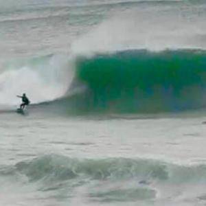 そろそろ波が良くなる季節でサーフィンを楽しめる〜極上の波を調子よく気持ちよく乗るための生活を〜♪